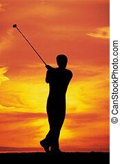 jugando golf, en, amanecer