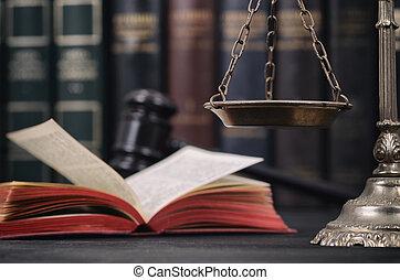 juge, balances, bois, justice, arrière-plan., noir, marteau