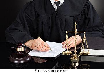 juge, bureau, papier, écriture