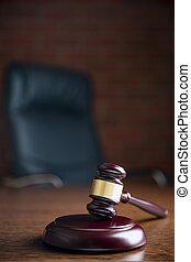 juge, marteau, table bois