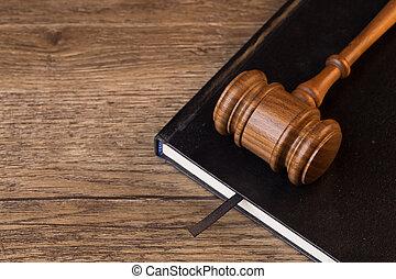 juge, mensonges, livre, marteau
