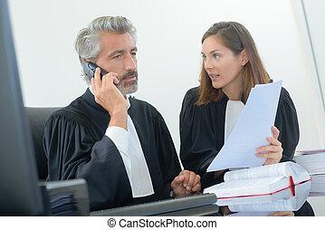juge, téléphone