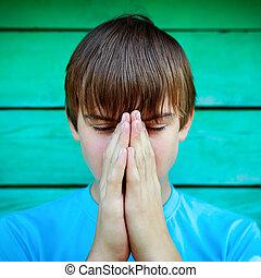 jugendlich, beten, draußen