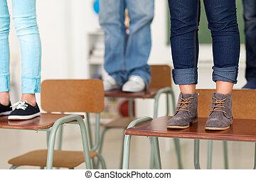 jugendlich, studenten, schule, stehende , schreibtische