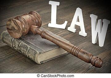 juges, menottes, livre, salle audience, droit & loi, marteau