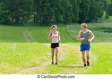juguetón, pareja joven, jogging, praderas, soleado, verano