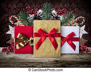 jul, grunge, dekoration, bakgrund, med, presenterar, på, trä plankor