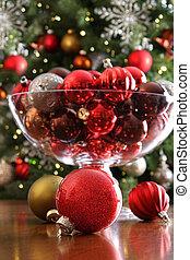jul ornamenter, på, bord, framme av, träd