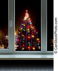 julgran, utanför, den, fönster