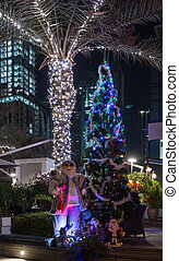 jultomten, med, a, julgran, utanför, om natten