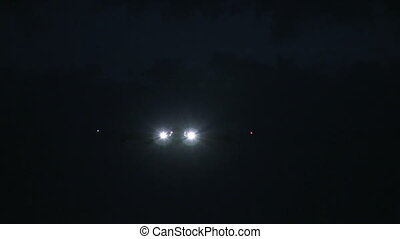 Jumbojet approach at night - This is high quality plane...