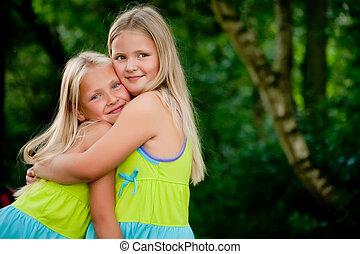 jumeaux, étreindre