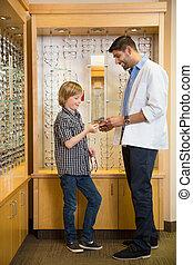Junge, brille, kaufmannsladen, Besitz, Optiker