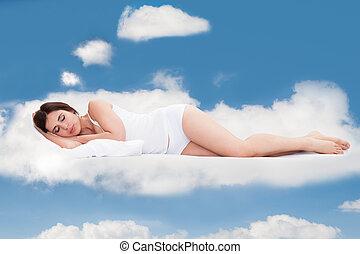 junge frau, eingeschlafen, auf, wolkenhimmel