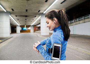 junge frau, in, blaues sweatshirt, rennender , in, der,...