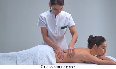 junge frau, in, spa., traditionelle , heilung, therapie,...
