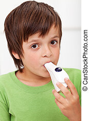 junge, inhalationsapparat, -, closeup