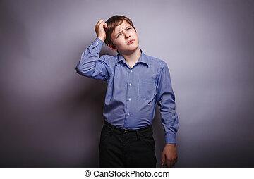 junge, kopf, seine, denken, teenager, kratzen