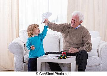 junge, motorflugzeug, papier, spielende