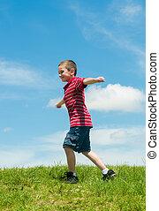 Junge, rennender, glücklich