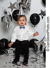 junge, seine, balloon, geburstag, schwarz, partei kleidt
