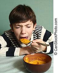 junge, suppe, ekel, ausdruck, essen, kã¼rbis