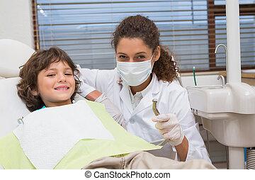 junge, wenig, bohrmaschiene, ausstellung, zahnarzt, pädiatrisch, stuhl
