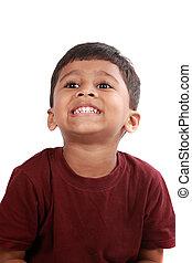 junge, zeigende zähne