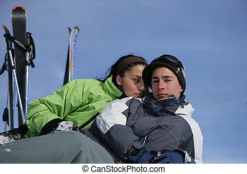 jungendliche, ski fahrend
