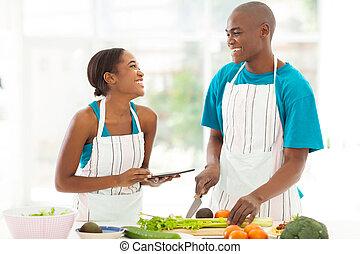 junger, afrikanisch, paar, in, haupt küche
