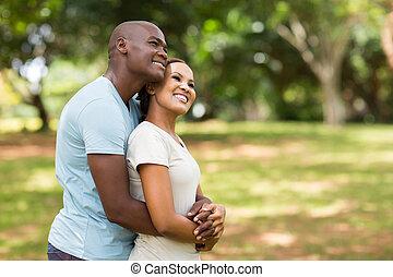junger, afrikanisch, paar, träumend