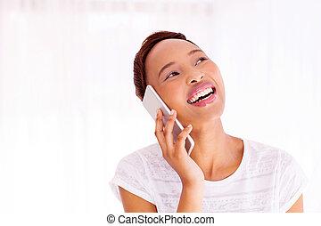 junger, afrikanische amerikanische frau, sprechende , auf, klug, telefon