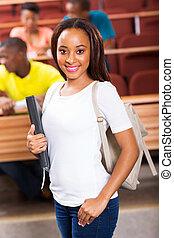 junger, afrikanischer amerikaner, student