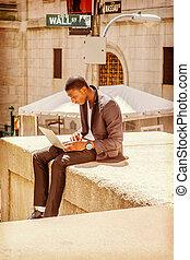 junger, afrikanischer amerikanischer mann, reisen, arbeiten, wall street, in, new york