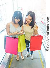 junger, asiatisch, mädels, erfreulicherweise, einkaufen gehend