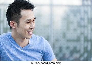 junger, asiatischer mann, lächeln
