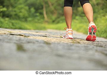 junger, fitness, frauenbeine, auf, spur