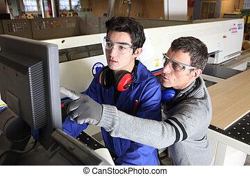 junger, lehrling, in, industriebereiche, sektor, mit, tutor