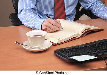 junger mann, arbeiten computer, an, buero