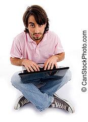 junger mann, arbeiten, laptop