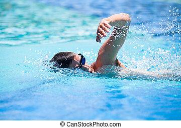 junger mann, schwimmender, der, frontkriechen, in, a, teich