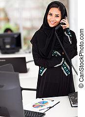 junger, moslem, geschäftsfrau