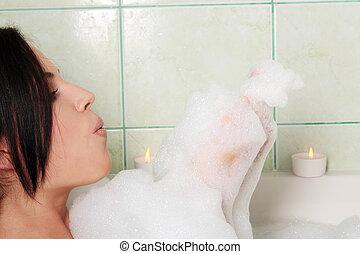 junger, schöne frau, in, der, badezimmer