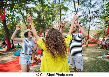 junger, sommer, festival., tanzen, friends, gruppe