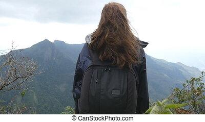junger, weibliche , tourist, mit, rucksack, genießen, schöne...