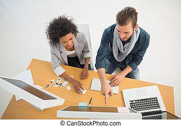 junges, arbeiten computer, in, buero
