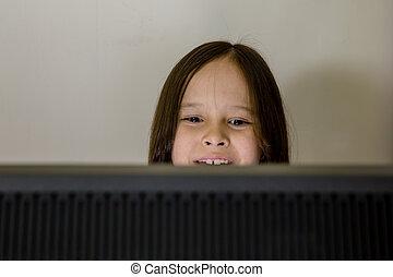 junges mädchen, anschauen computerbildschirm