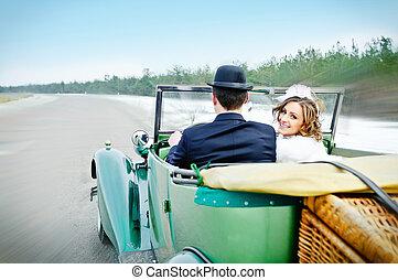 jungvermählten, in, wedding, auto