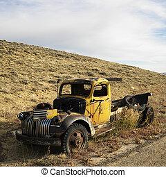 Junk pickup truck.