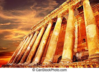jupiter's, tempel, op, ondergaande zon , baalbek, libanon